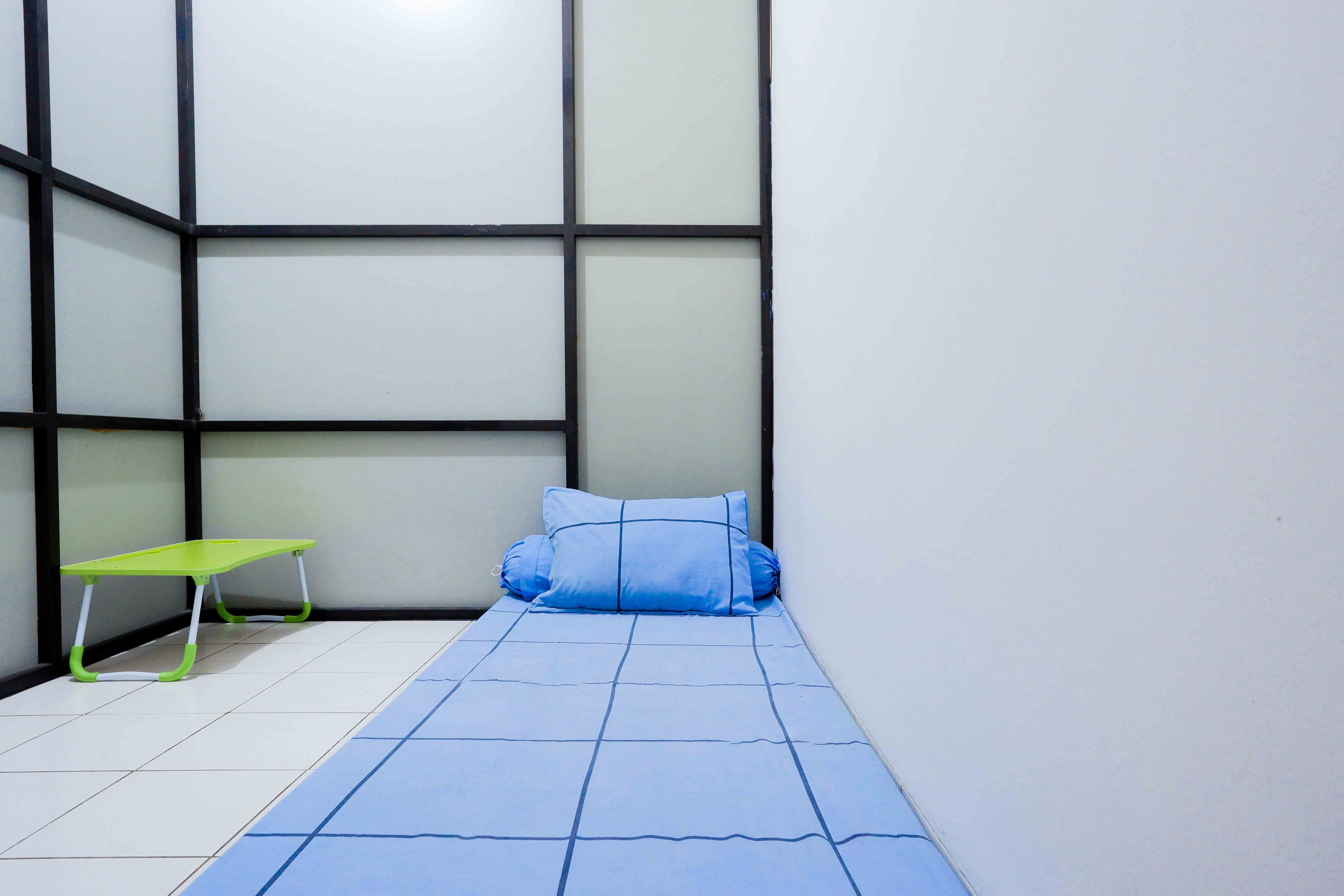 Kost Cozy Cozy Single Bed Separate Shared Bathroom B  Bedroom Kost Cakung Me