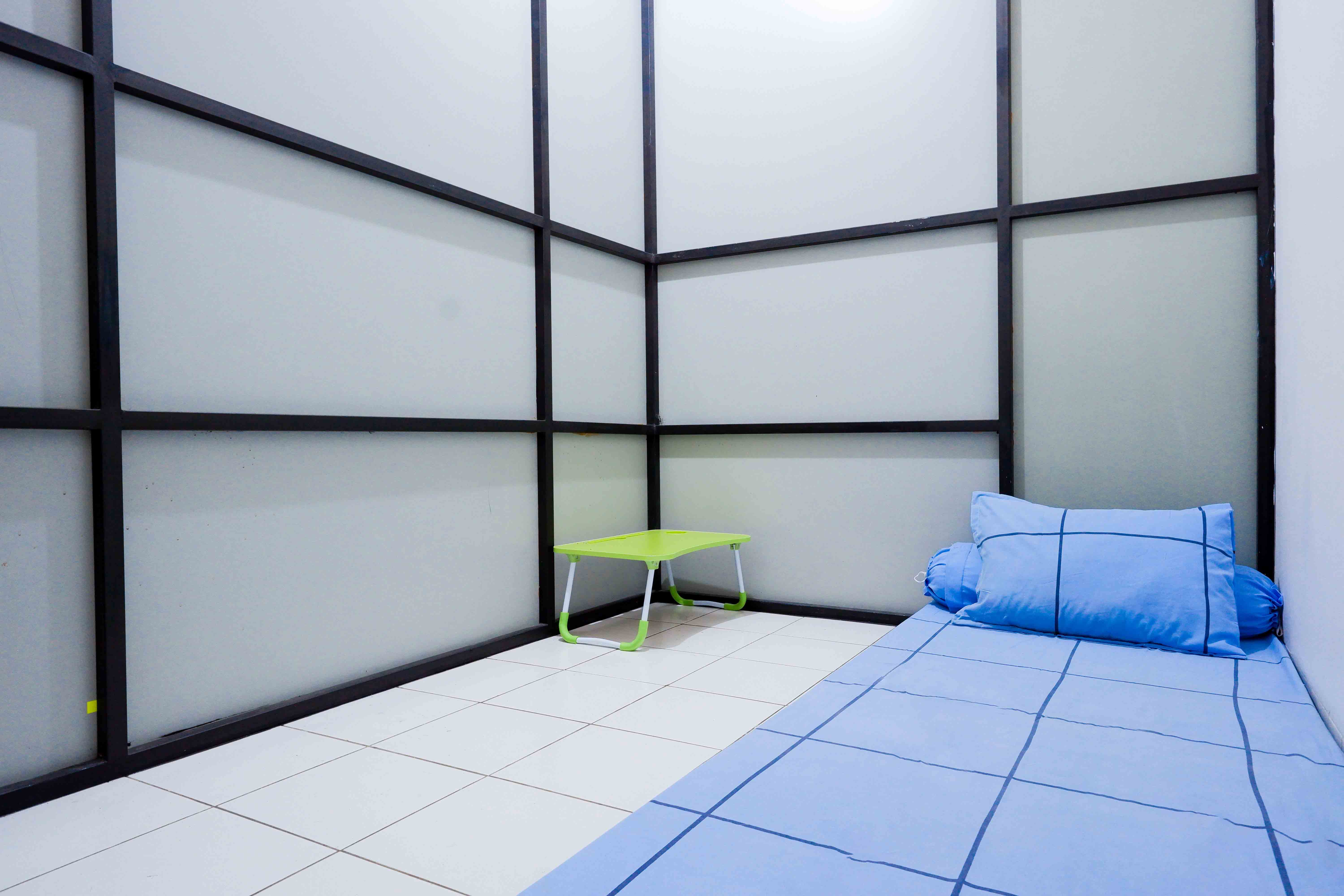Kost Cozy Single Bed Separate Shared Bathroom B  Bedroom Kost Cakung Me  0