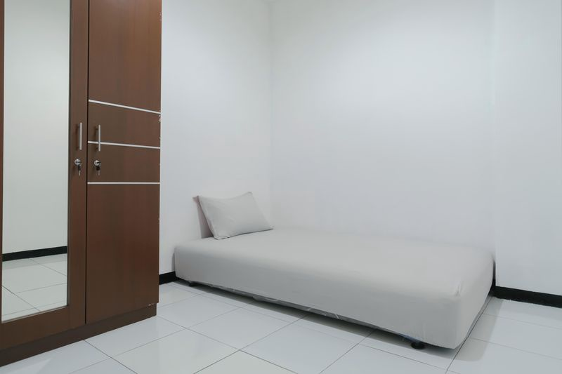 Kost Comfort Comfort Single Bed  Bedroom Kost Antapani Black And White House