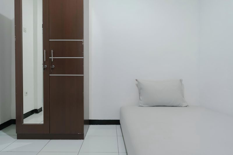 Kost Comfort Single Bed  Bedroom Kost Antapani Black And White House 3