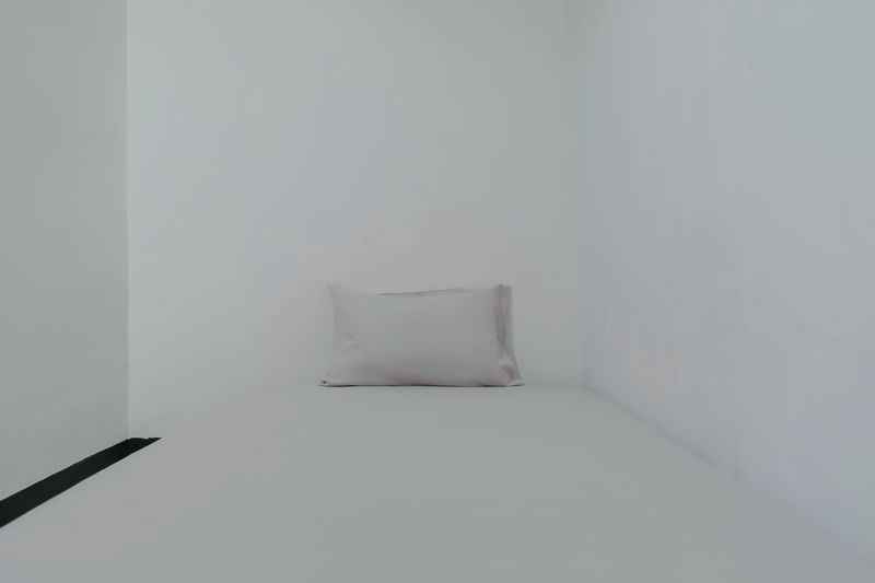 Kost Cozy Cozy Single Bed B  Bedroom Kost Antapani Black And White House