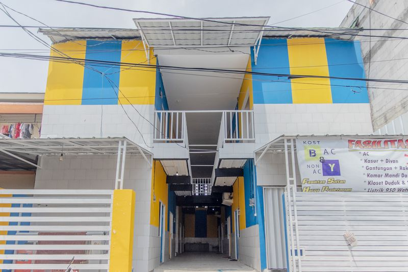 Kost Kost Cilincing Blue and yellow